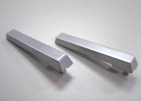 亜鉛を銅+光沢ニッケル+サチライトニッケル+クロムで加工した部品